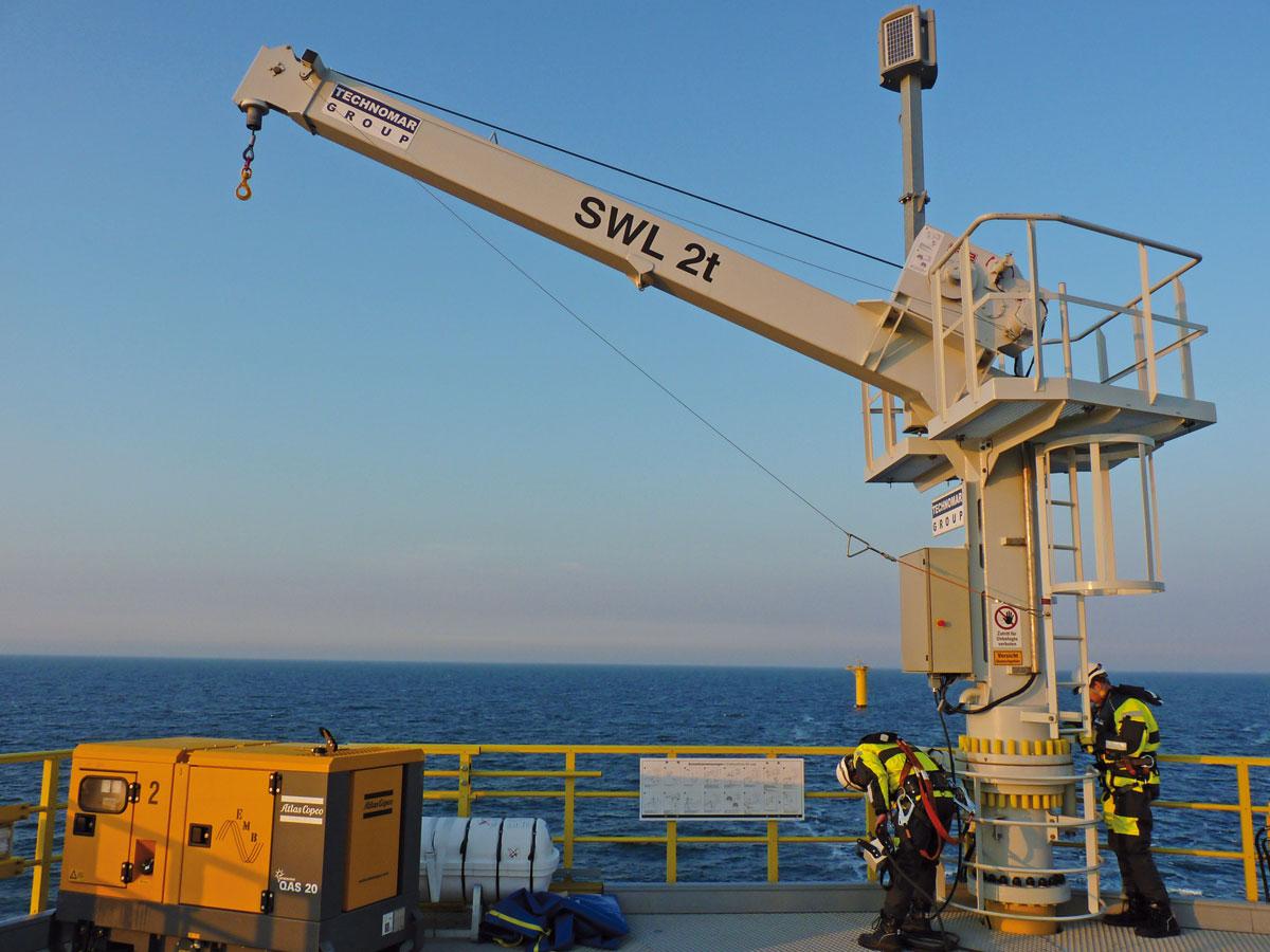 30 Kräne für einen Offshore-Windpark