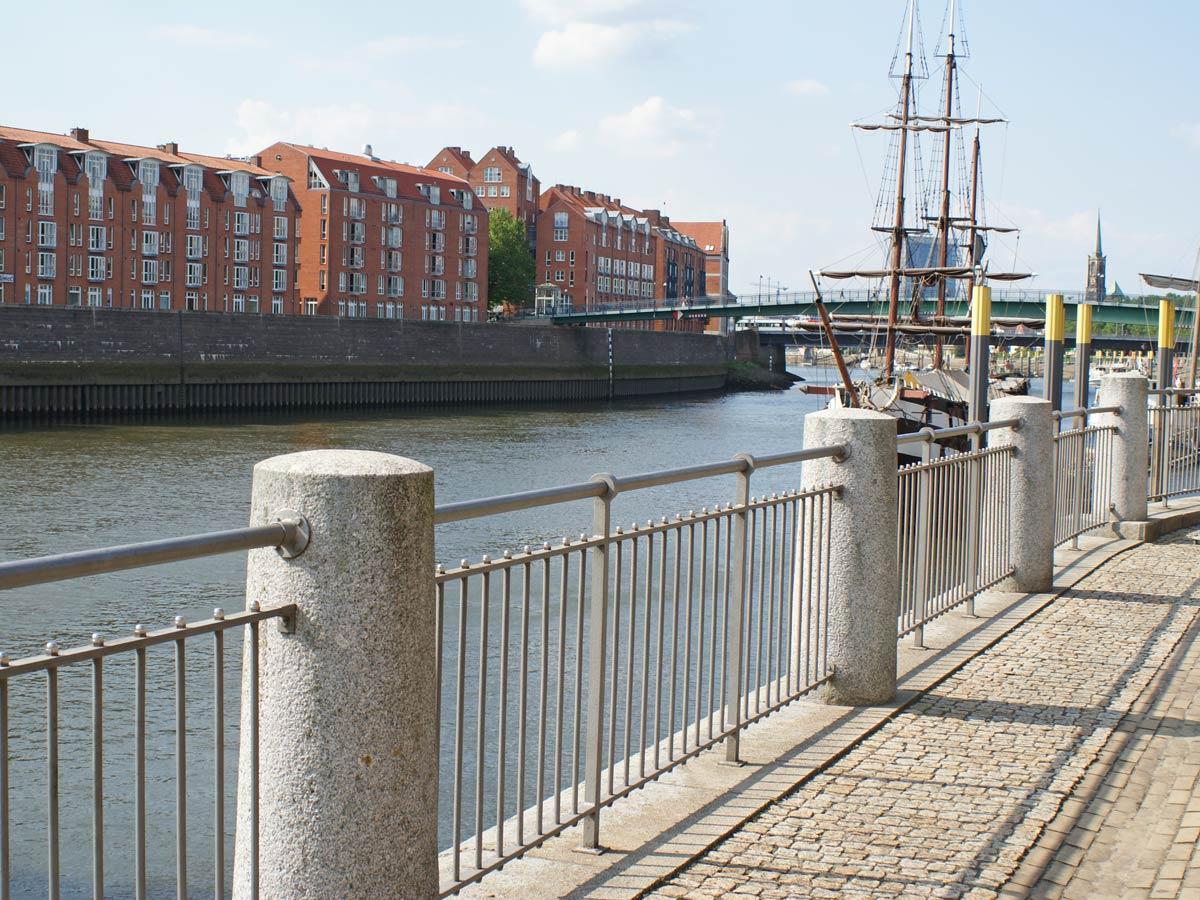 Geländer am Martinianleger / Schlachte Bremen