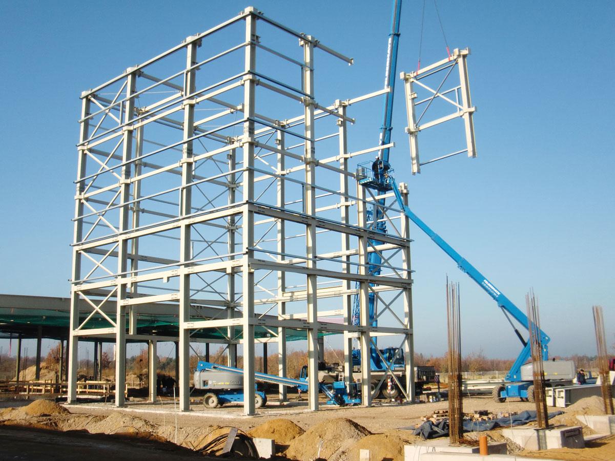 Montage einer 400t Stahlkonstruktion in Spremberg